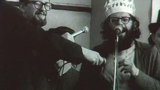 Allen Ginsberg se stal r. 1965 králem pražského majálesu