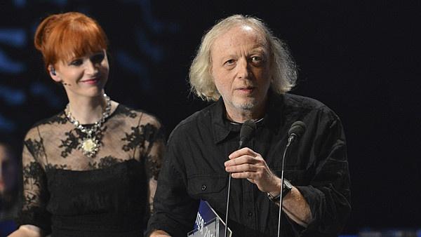Michal Ajvaz přebírá cenu za nejlepší knihu roku